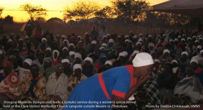 rumuko-prayer-dawn-clareumc-zimbabwe-690x376